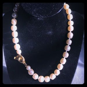 Jewelry - Large fresh water pearl necklace